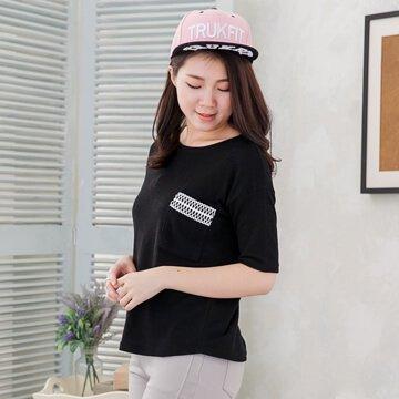 §獨具衣格§㊣韓G8014 素色大口袋蕾絲裝飾棉T上衣(湘)