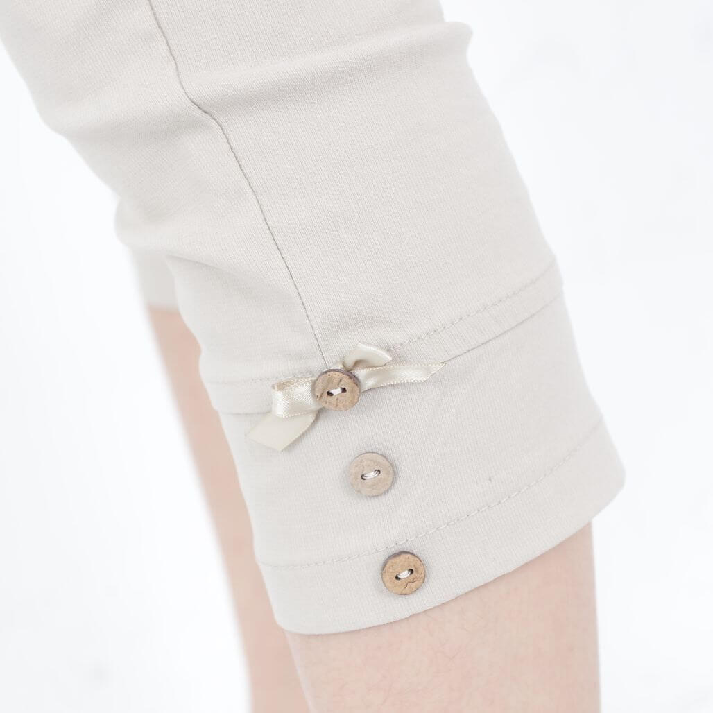 §獨具衣格§  G100691 顯瘦蝴蝶結鈕釦7分褲 (1139)(售完不補)